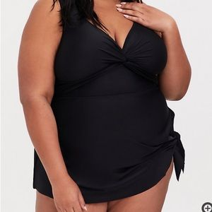 NWT Torrid Twist Front One-Piece Swim Dress 3X